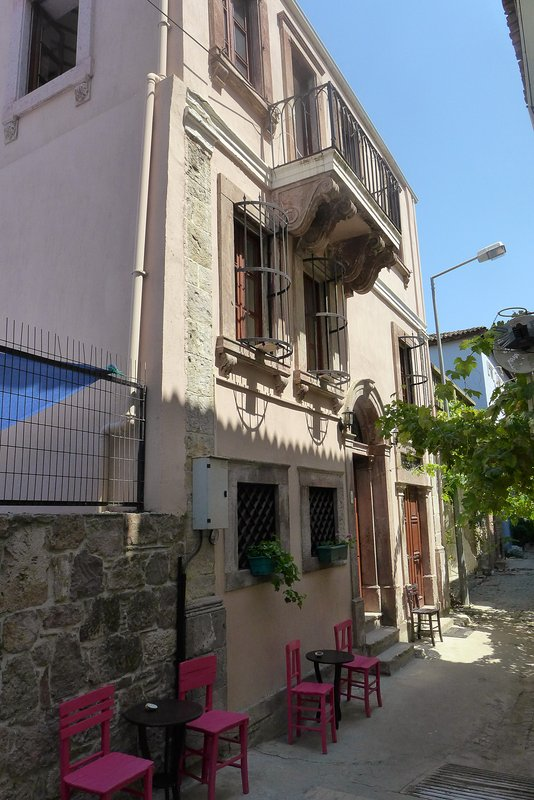 Lovely, restored Ottoman stone house. Full of charm and original features.
