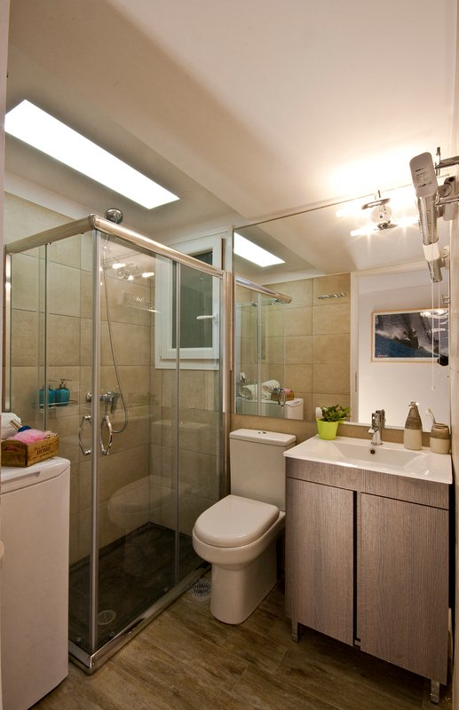 Bathroom with shower cabin: brand new