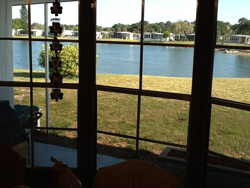 Stayin' at the lake...420, holiday rental in North Fort Myers