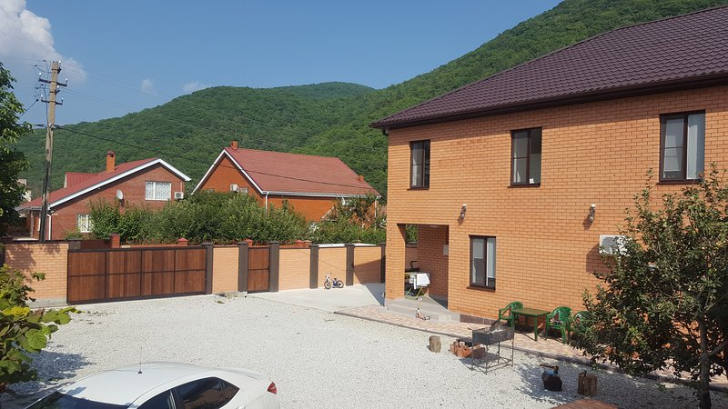 Вилла на Светлой новый коттедж люкс на море., location de vacances à Krasnodar Krai