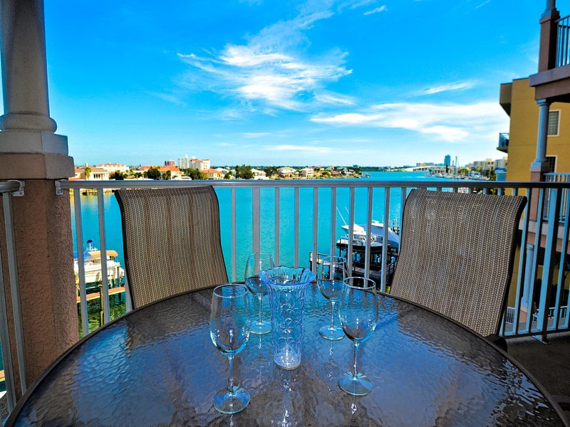 Perfect vacation setting at Harborview Grande