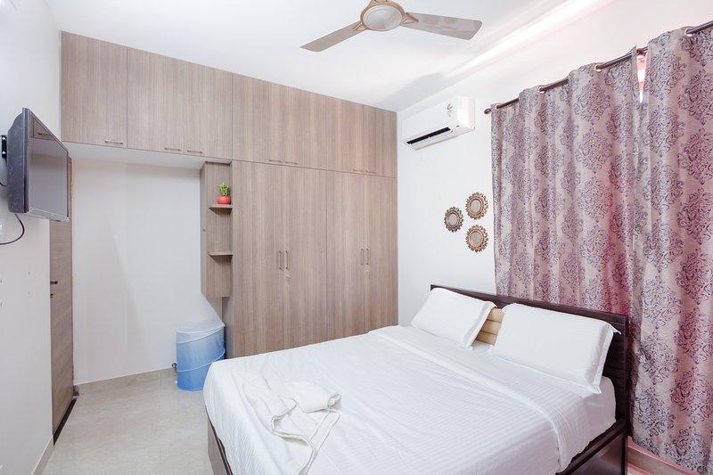 Queen Room, vacation rental in Muttukadu