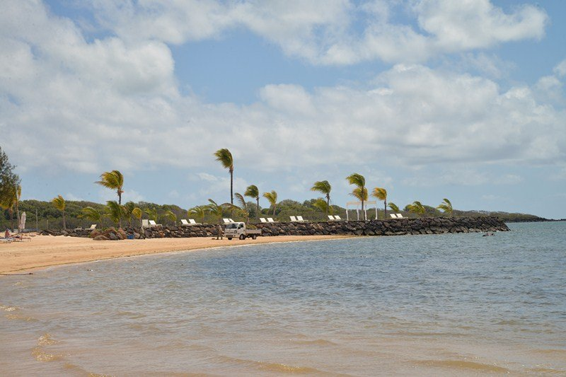 Brand New villa sea view with hotel facilities Build 2016, vacation rental in Pointe de Flacq