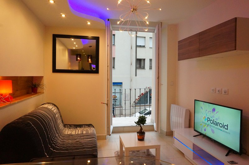 Appartement avec balcon à louer centre-ville, holiday rental in Premilhat