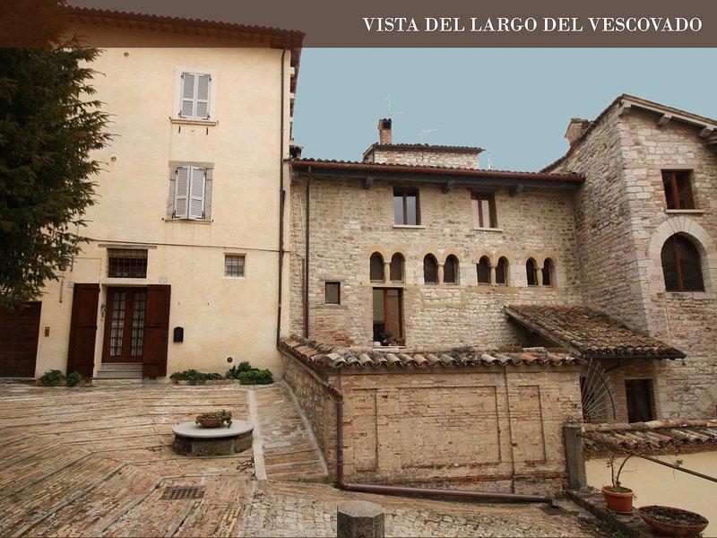 fascinoso appartamento al Largo del Vescovado, vacation rental in Ponte d'Assi