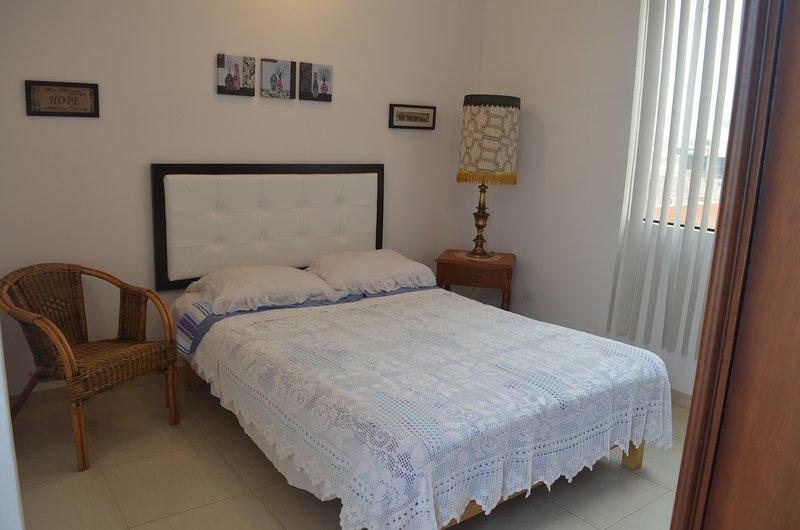 Schlafzimmer mit Queen-Size-Bett & Bad 3piece