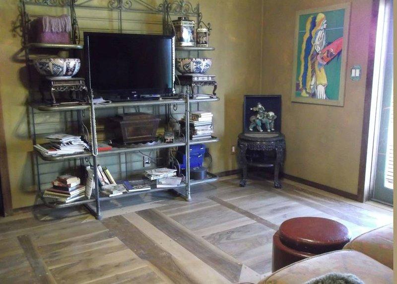 Tranquil 2 Room Suite Private Entry Queen Bed, Ranch on Bluebonnet Trail Ennis, location de vacances à Corsicana