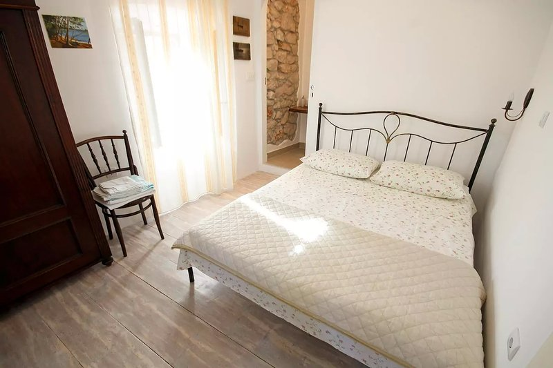 NEW room, decorated in old style, casa vacanza a Mali Losinj