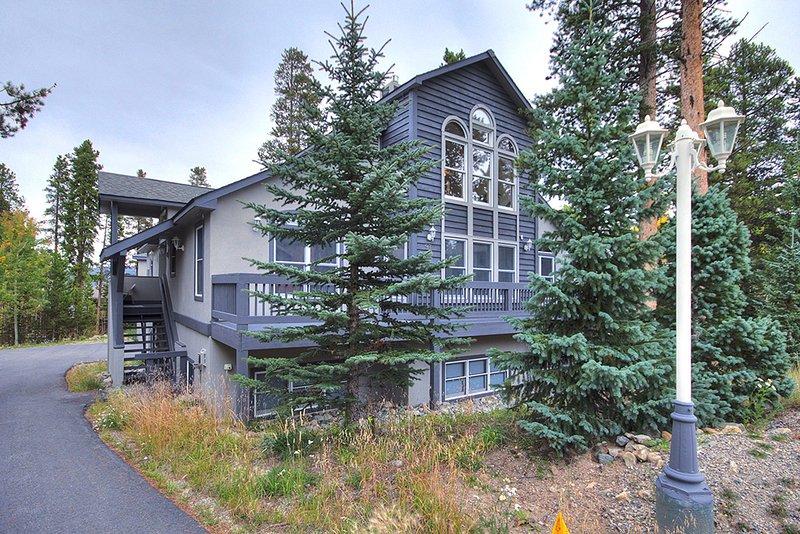 Het prachtige huis ligt direct aan de Burro Trail.