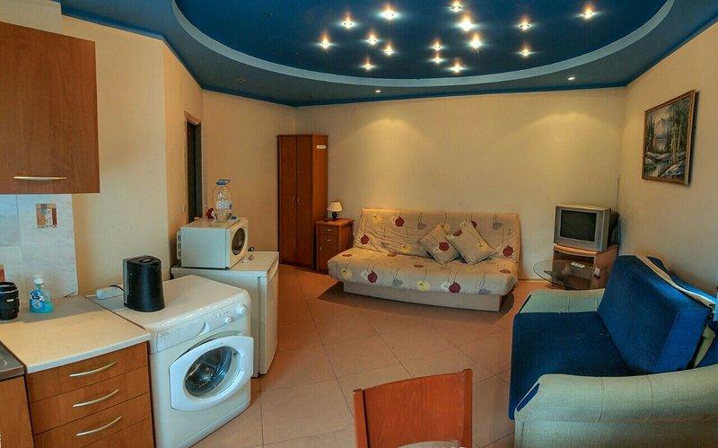 L'emplacement est parfait! Great meubles - tout ce dont vous avez besoin pour votre séjour!