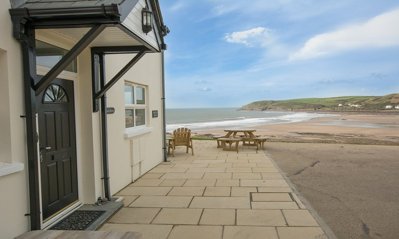 Beach Breeze Croyde | 2 Bed / Sleeps 4-5 | Sea Beach Views, location de vacances à Croyde