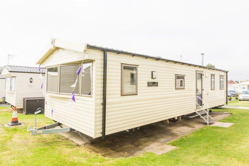 8 berth caravan at Haven Hopton Holiday park
