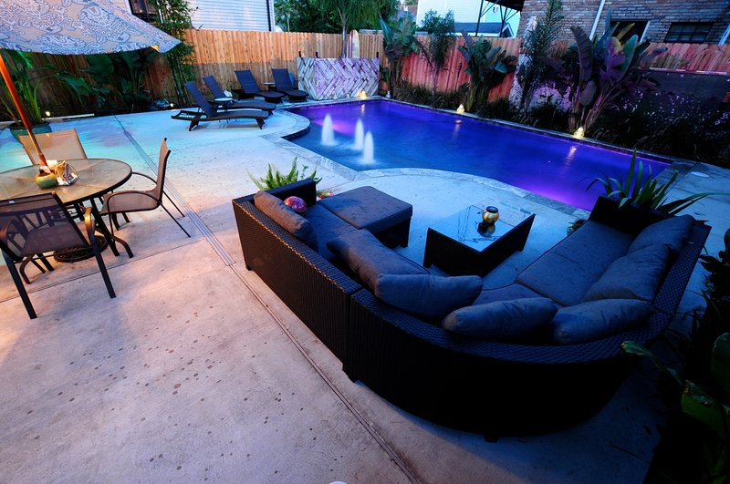 Pool Yard Loung Area