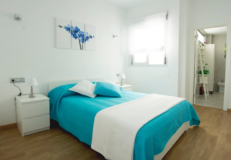 Acogedor apartamento nuevo en el centro de Málaga, vacation rental in Malaga