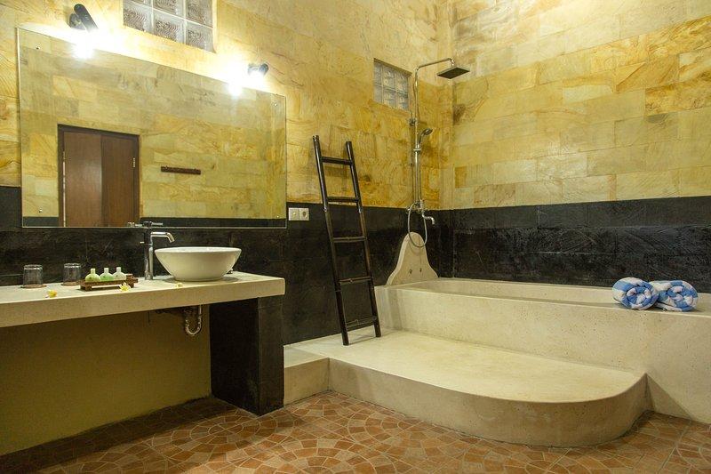 Cuarto de baño en la habitación de matrimonio
