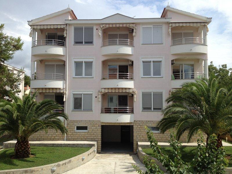 Apartments JayZarium, vacation rental in Kozino