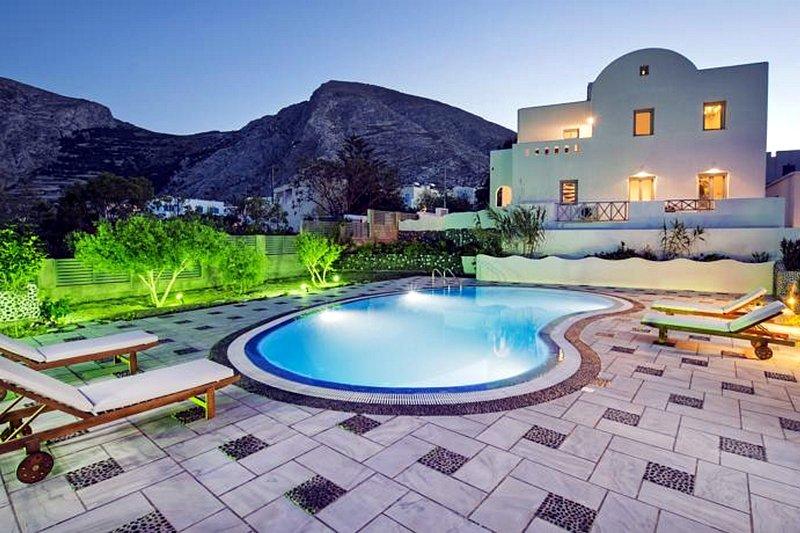Felicity Villas - Victoria, Ferienwohnung in Santorin