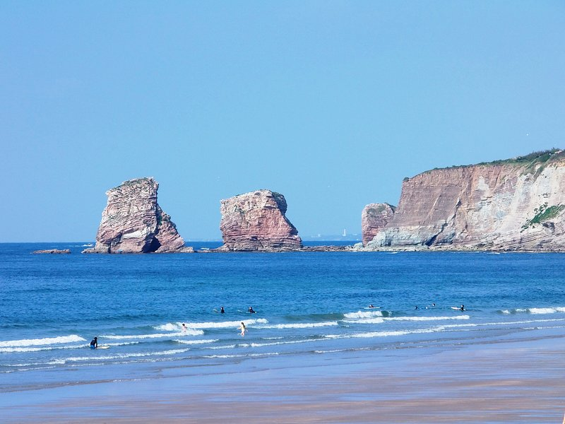 Two Twin Hendaya beach. (20 kms)