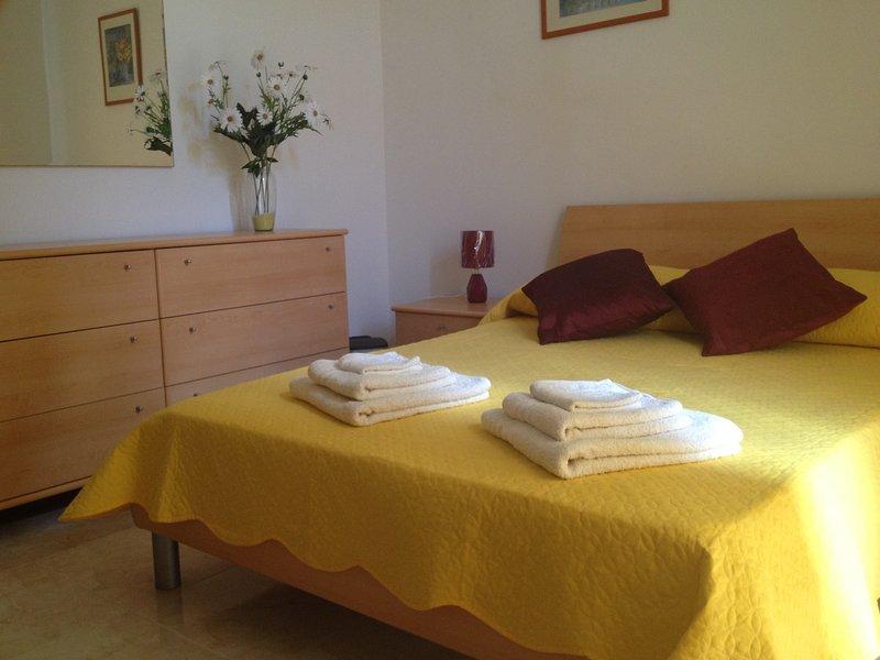 El dormitorio principal con aire acondicionado