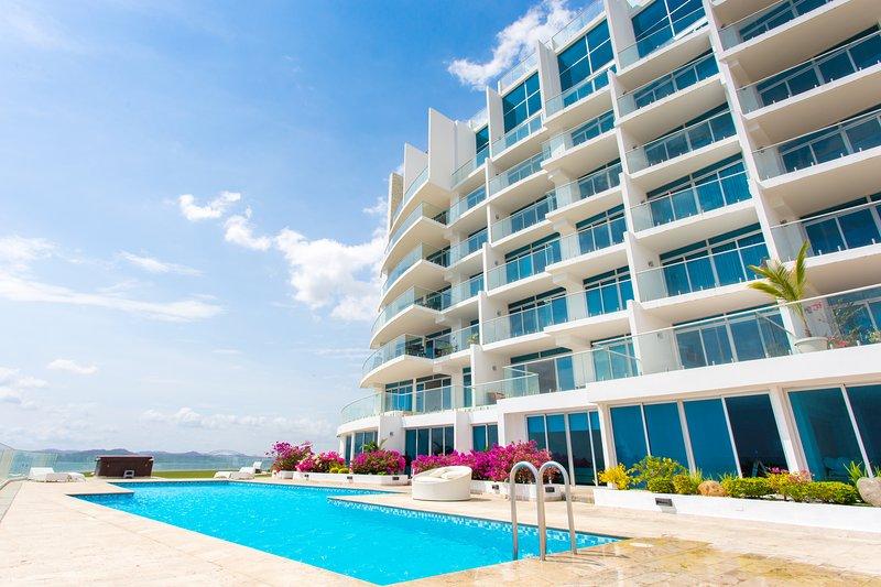 Lujoso Apartamento en el Canal de Panamá, alquiler de vacaciones en Ciudad de Panamá