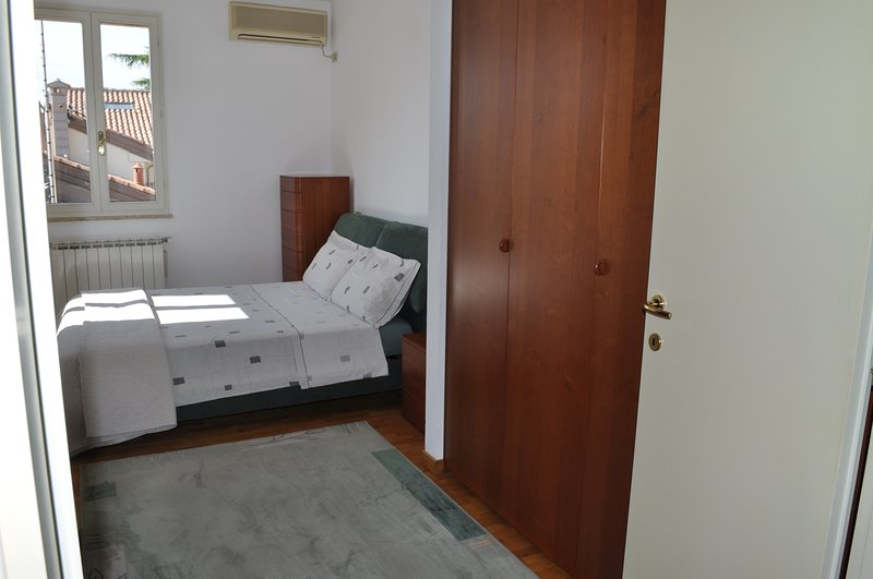 La Loggetta apt 6, historic center, parking, holiday rental in Province of Ravenna