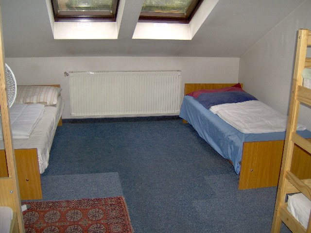 Big Room, shared bath., holiday rental in Kozarmisleny