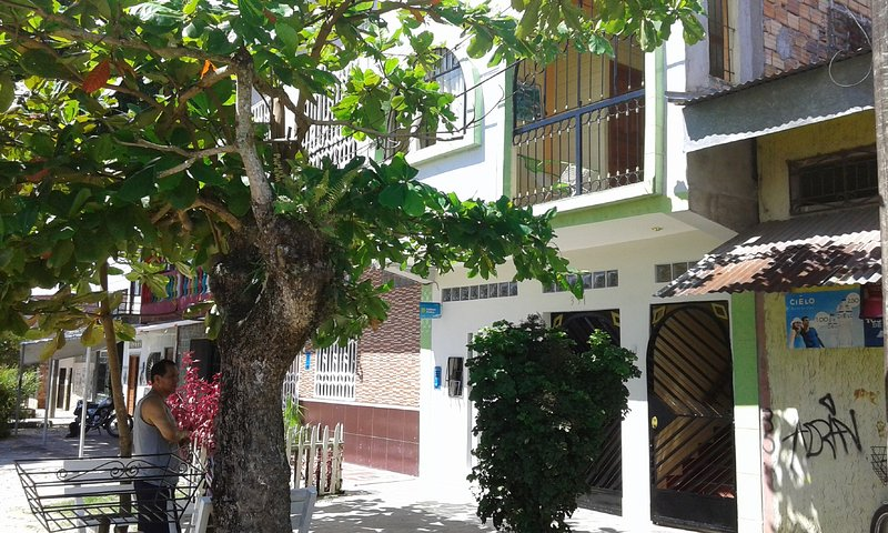 Cozy, neat & cheap rooms (Twin bed - 2 people), location de vacances à Iquitos