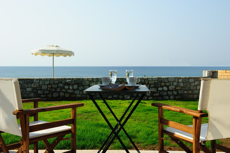 Alisahni Beachfront Villas, holiday rental in Kiotari