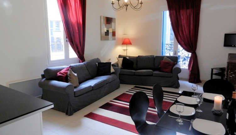 Languedoc holiday apartment in Pezenas, South France