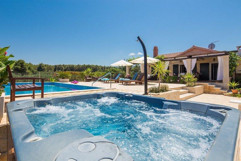 Beach Villa with Pool Island Brac, vacation rental in Supetar