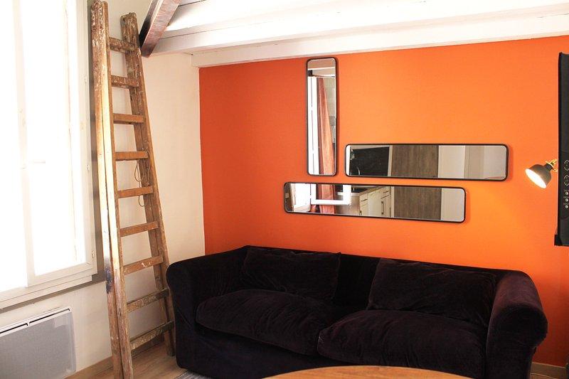 Studio cozy à 15 mn de la mer, plein centre ville, holiday rental in Marsillargues