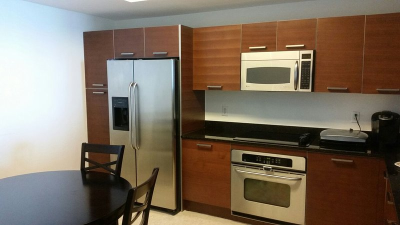 Perfect location in the heart of Aventura, holiday rental in North Miami Beach