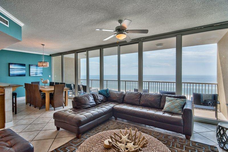 30 pieds de large mur de verre donnant sur le golfe - vraiment fascinant!