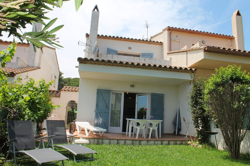 Lovely, well kept 3 bedroom house on Torre Vella., vacation rental in Gualta