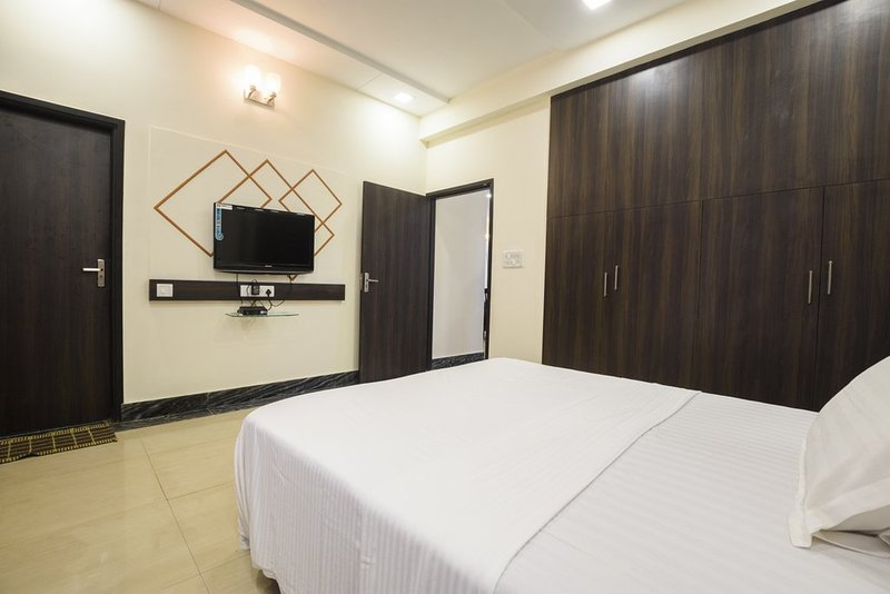 Zeer ruime slaapkamer nr 1 op de begane grond en-suites