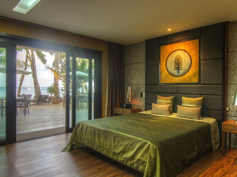 Jolliver/Wavesong - Connecting rooms, Beachfront, holiday rental in Boracay