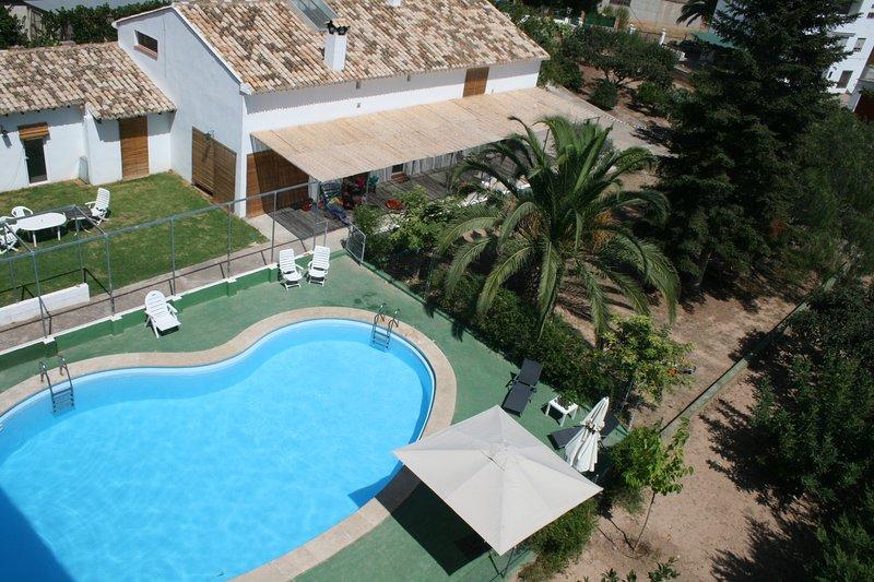 El Campillo, casa con piscina para grupos, holiday rental in Montanejos