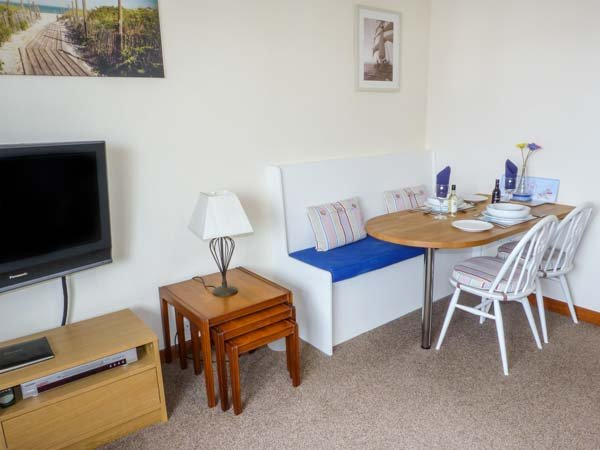 TROON APARTMENT, WiFi, seaside location, in Troon, Ref: 904587, holiday rental in Saltcoats