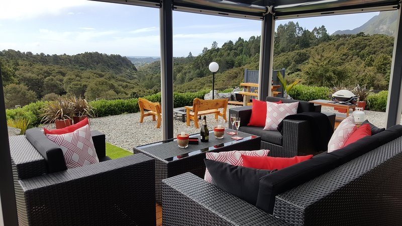 Rocky Ridge Cottage-Fully Self Contained, holiday rental in Nelson-Tasman Region