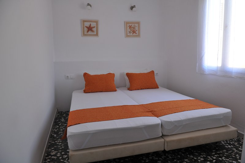 2 Bedrooms Holiday house, Kalymnos, Greece, vacation rental in Pothia