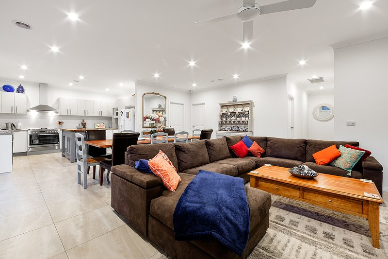 Luxurious Mansion Rosanna Heidelberg Ivanhoe 7-brm, 7 huge TVs, 2living areas, casa vacanza a Heidelberg