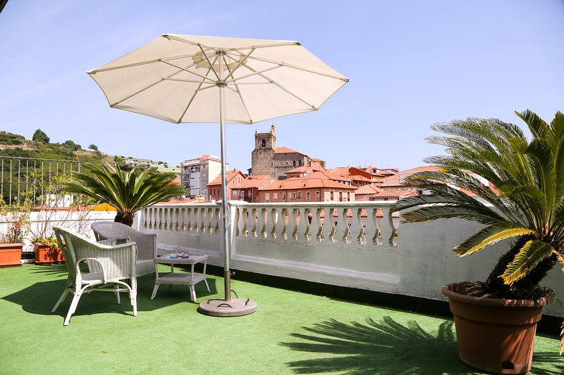 40M2 TERRACE OVER WITH VERY GOOD ORIENTATION