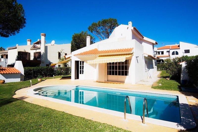 Villa Mianas Retreat, vacation rental in Vilamoura