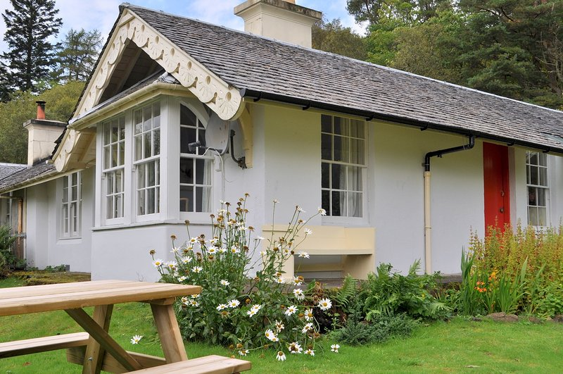 Castle Cottage, vacation rental in Strontian