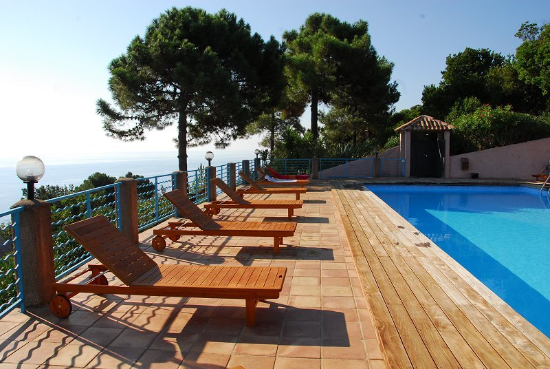 Location en bord de mer pour 2 personnes à Monte Marina. Vue mer panoramique, casa vacanza a Conca