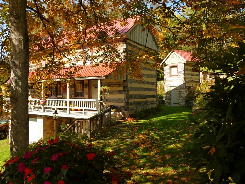 Oak Noggin B&B is an Early American log house 12 miles from Pittsburgh, PA