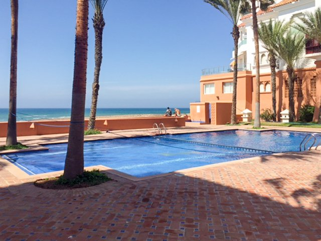 Amazing apt with shared pool & Wifi, holiday rental in Grand Casablanca Region