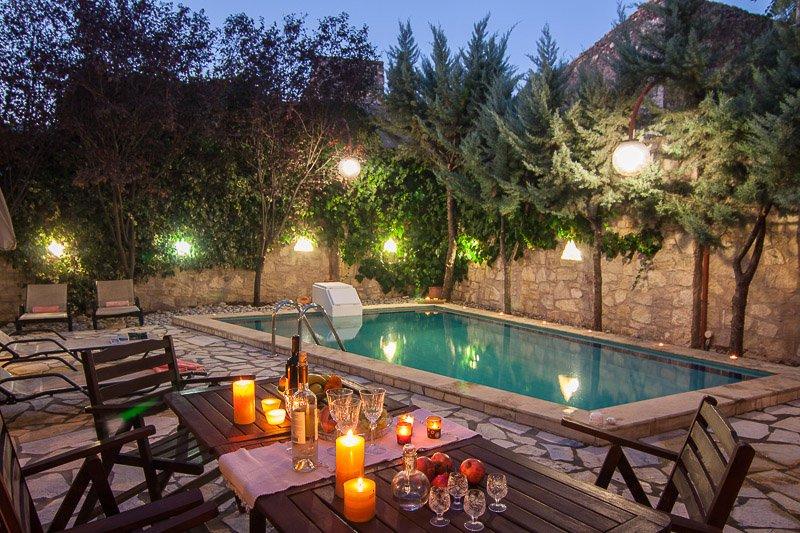 Sarris Villa, a countryside Villa!, vacation rental in Milopotamos