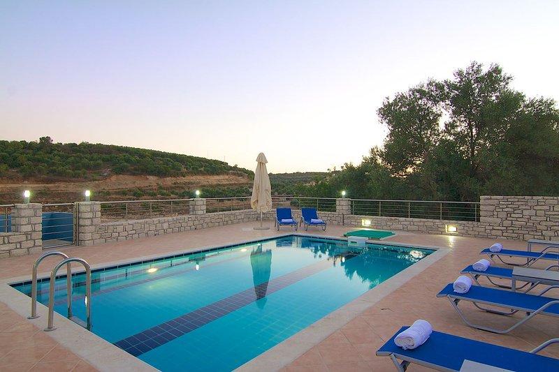 Blue Villa II, tranquil setting!, holiday rental in Melidoni
