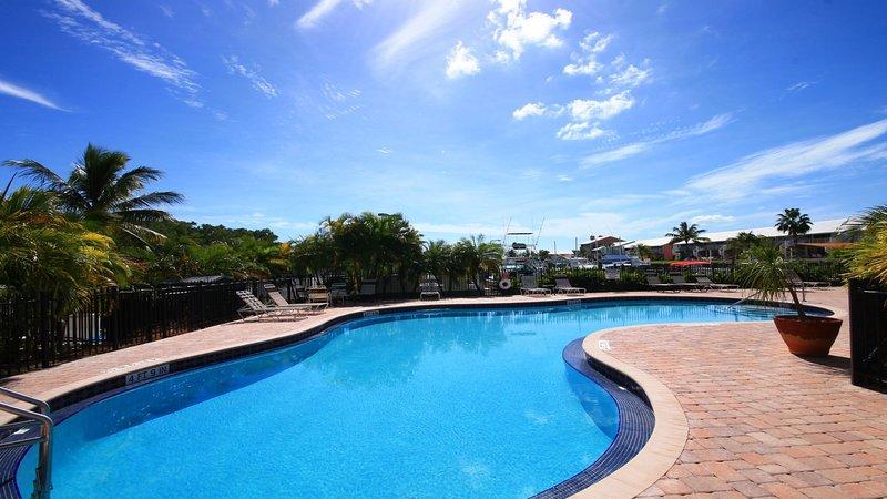 Oceanfront Pool-Kawama Tower 406-Kawama Yacht Club- Florida Keys Vacation Rental